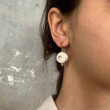 Bless Swirl Shell Earrings