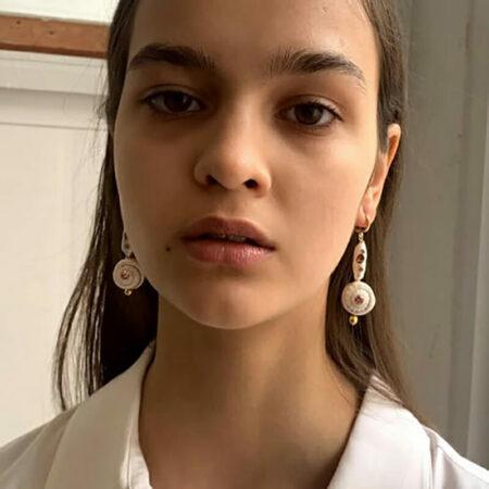 Bless Swirl Shell Crystal Pearl Earrings