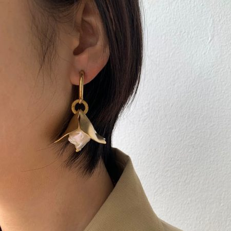 Bee Lana Earrings