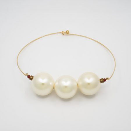 Donna Jumbo Pearl Necklace