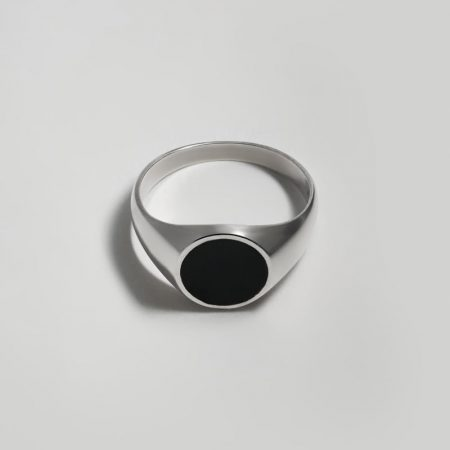 Hero Onyx Round Signet Ring