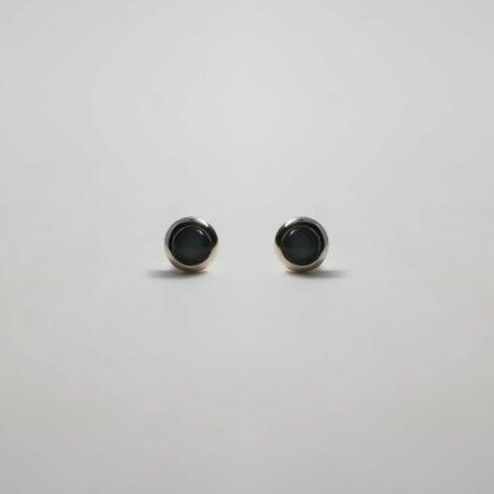 Lou Mini Onyx Round Earrings